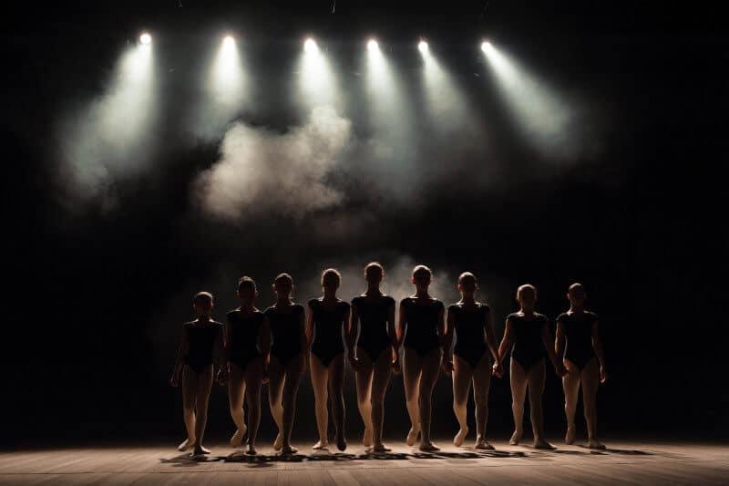 Pas de basque ballet